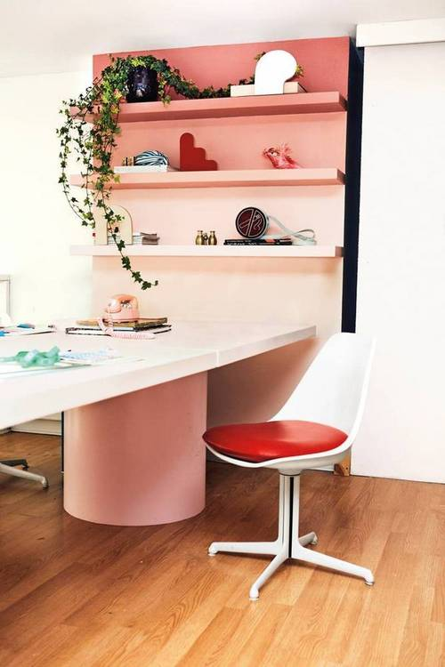 office-oasis-rachel-antonoff-s-color-coated-office-pink-and-white-office-1475008406-57eace443a01f6083b057073-w667_h750